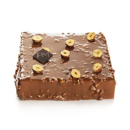 Square cake hazelnut